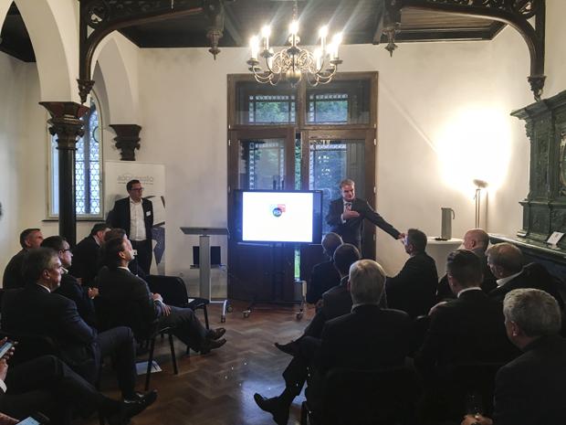 Herr Sebastian Thelen (CEO Kloeppel Digital Transformation) und Herr Dr. Johannes Helbig